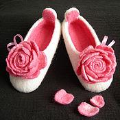 """Обувь ручной работы. Ярмарка Мастеров - ручная работа Валяные тапочки """"Утренняя роза"""" (детские). Handmade."""