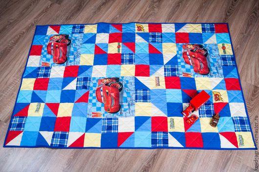 """Пледы и одеяла ручной работы. Ярмарка Мастеров - ручная работа. Купить Детское лоскутное одеяло """"Тачки"""". Handmade. Комбинированный"""