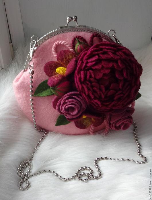 """Женские сумки ручной работы. Ярмарка Мастеров - ручная работа. Купить Валяная сумочка """"Джульетта""""Акция. Handmade. Разноцветный, сумка цветок"""
