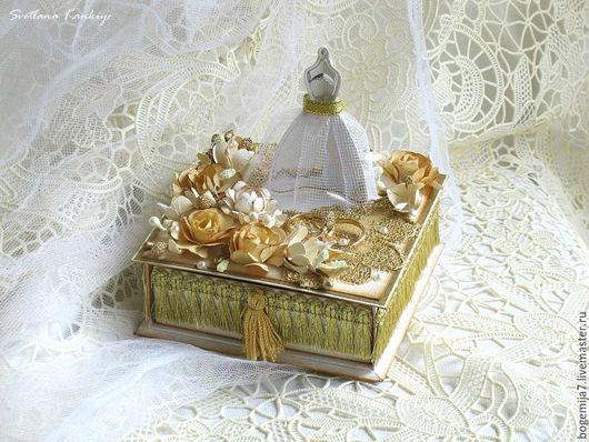 """Свадебные открытки ручной работы. Ярмарка Мастеров - ручная работа. Купить Свадебная коробочка для денег """"Счастливые моменты"""" (золотой). Handmade."""