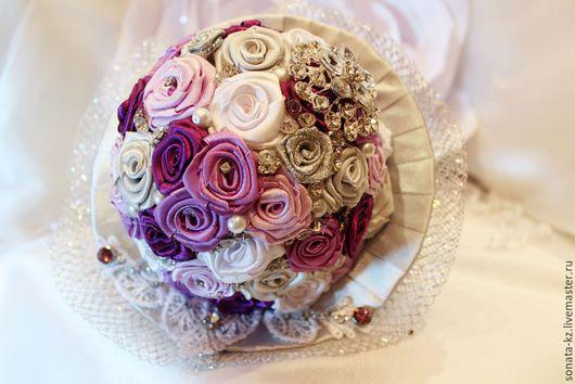 Свадебные цветы ручной работы.Ярмарка Мастеров-ручная работа.Купить брошь-букет `Nelly`.Цвет-сиреневый,фиолетовый.Handmade.