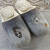 """Обувь ручной работы. Ярмарка Мастеров - ручная работа Тапочки валяные из шерсти.""""Ёжик в тумане. Лоша-а-а-дка-а"""". Handmade."""