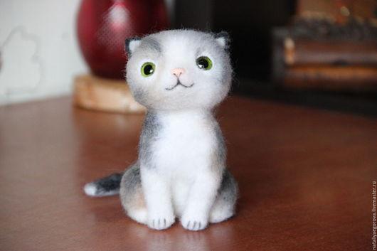 Игрушки животные, ручной работы. Ярмарка Мастеров - ручная работа. Купить Весенний котёнок. Handmade. Белый, Сухое валяние, шерсть