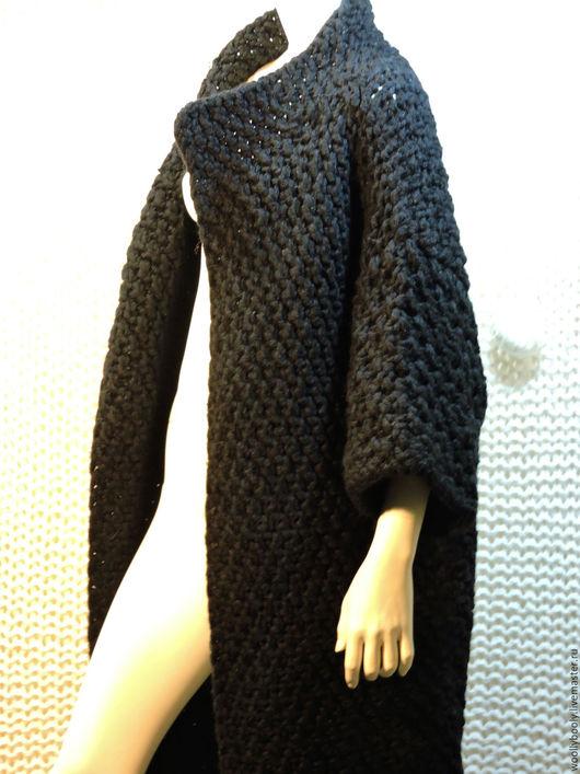 Верхняя одежда ручной работы. Ярмарка Мастеров - ручная работа. Купить Blackjoy, вязаное спицами плотное шерстяное пальто. Handmade.