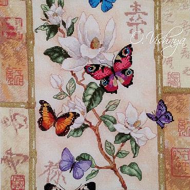"""Картины и панно ручной работы. Ярмарка Мастеров - ручная работа Вышитая картина """"Бабочки на цветке"""". Handmade."""