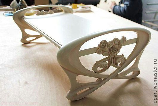 Мебель ручной работы. Ярмарка Мастеров - ручная работа. Купить Столик .. Handmade. Белый, резьба по дереву, мебель из дерева