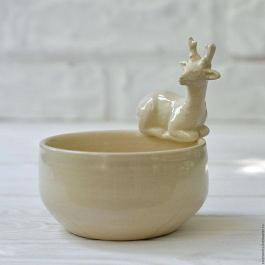 """Пиалы ручной работы. Ярмарка Мастеров - ручная работа. Купить Пиала """"Олень"""" (белая). Handmade. Белый, миска с оленем, глазурь"""