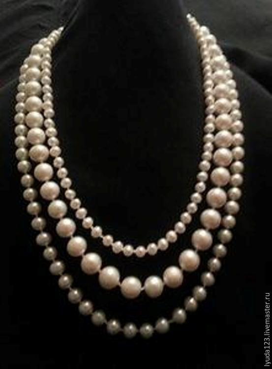 998d3086fb24 Collar de perlas de tres hilos de color blanco perla-
