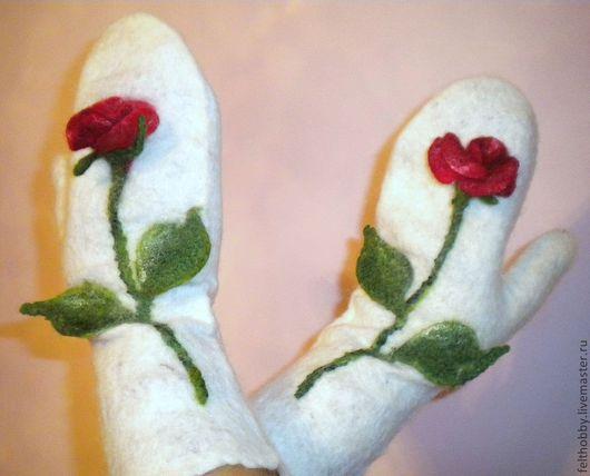 """Варежки, митенки, перчатки ручной работы. Ярмарка Мастеров - ручная работа. Купить Варежки """"Розы зимой"""". Handmade. Цветочный"""
