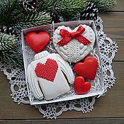 Подарки к праздникам ручной работы. Ярмарка Мастеров - ручная работа Вязаные пряники для влюбленных-Набор малый. Handmade.