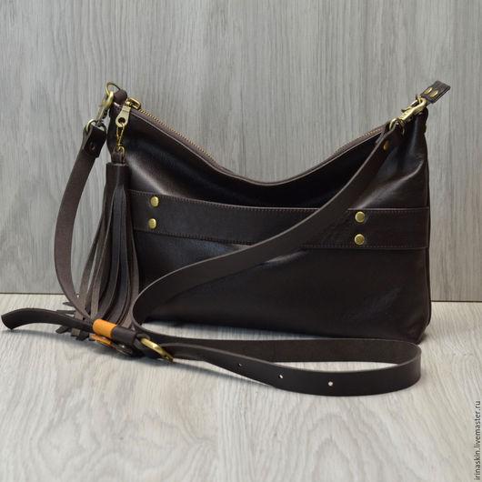 Кожаная сумка на плечо, кожаная сумка с кистью, большой кожаный клатч с кистью, кожаная сумка цвета горький шоколад, кожаная сумка коричневая, кожаный клатч темно-коричневый, Ирина Болдина