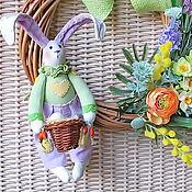 Куклы и игрушки ручной работы. Ярмарка Мастеров - ручная работа Пасхальный венок с зайцем. Handmade.