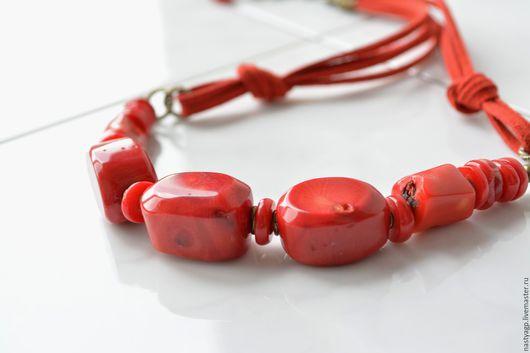 колье , бусы ,украшения ,красное колье ,бусы из коралла ,красный коралл,купить бусы ,подарок женщине