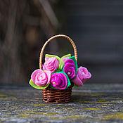 Куклы и игрушки ручной работы. Ярмарка Мастеров - ручная работа Корзиночка с цветами Розы. Handmade.