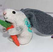 Войлочная игрушка ручной работы. Ярмарка Мастеров - ручная работа Кролик из шерсти Ушастик.. Handmade.
