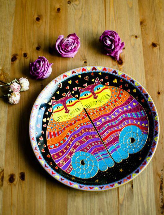 Декоративная посуда ручной работы. Ярмарка Мастеров - ручная работа. Купить Тарелка настенная Коты - близнецы 27см ручная роспись. Handmade.