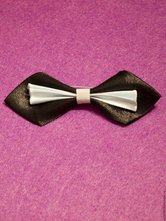 Галстуки, бабочки ручной работы. Ярмарка Мастеров - ручная работа. Купить Брошь галстук-бабочка атласная черно-белая (с голубым отливом). Handmade.