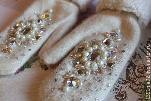 """Варежки, митенки, перчатки ручной работы. Ярмарка Мастеров - ручная работа. Купить Варежки с вышивкой """" Морозная Зима """". Handmade."""
