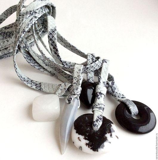 """Колье, бусы ручной работы. Ярмарка Мастеров - ручная работа. Купить Украшение из кожи """" Змеиный шик"""". Handmade."""