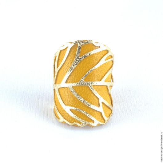 """Кольца ручной работы. Ярмарка Мастеров - ручная работа. Купить Элегантное и стильное кольцо """"Шафрановый листок"""" из натуральной кожи. Handmade."""