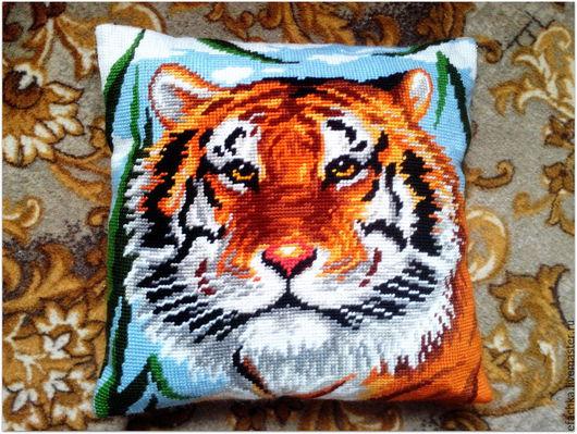 Текстиль, ковры ручной работы. Ярмарка Мастеров - ручная работа. Купить Вышитая интерьерная подушка. Handmade. Подушка, подарок, тигр