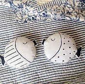 Для дома и интерьера ручной работы. Ярмарка Мастеров - ручная работа Влюбленные рыбки Подушка-обнимашка Игрушка. Handmade.