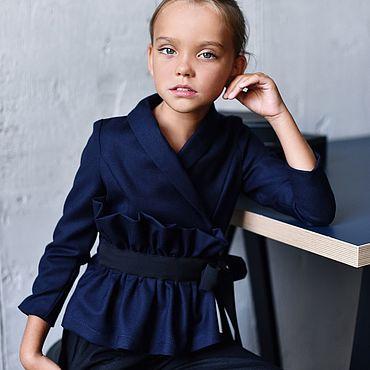 Одежда ручной работы. Ярмарка Мастеров - ручная работа Жакет с объемной деталью синего цвета. Handmade.