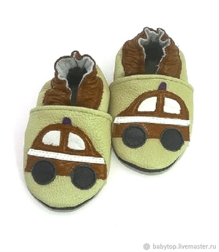 e276ca7dd Детская обувь ручной работы. Ярмарка Мастеров - ручная работа. Купить  Кожаные тапочки 'Машинка ...