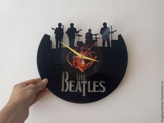 """Часы для дома ручной работы. Ярмарка Мастеров - ручная работа. Купить Часы из виниловой пластинки """"Beatles"""". Handmade. Черный, beatles"""