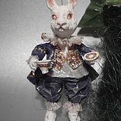 """Куклы и игрушки ручной работы. Ярмарка Мастеров - ручная работа """" Вниз по кроличьей норе"""" Глава I Белый кролик продано. Handmade."""