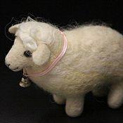Куклы и игрушки ручной работы. Ярмарка Мастеров - ручная работа Мэри. Валяная из шерсти овечка.. Handmade.