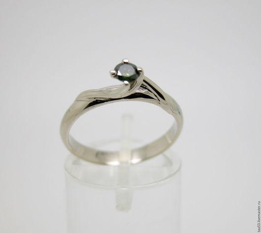 Кольца ручной работы. Ярмарка Мастеров - ручная работа. Купить Кольцо золотое с зелёным бриллиантом.. Handmade. Кольцо с камнем, зеленый