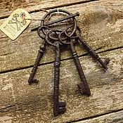 Винтаж ручной работы. Ярмарка Мастеров - ручная работа 4 старинных ключа на связке. Старинные ключи середины 19 века. Handmade.