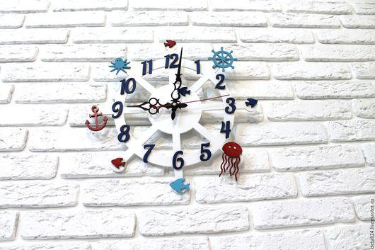 """Персональные подарки ручной работы. Ярмарка Мастеров - ручная работа. Купить Часы """"Штурвал"""". Handmade. Белый, штурвал, морской, голубой"""