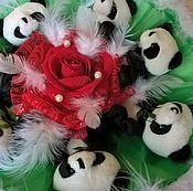 Цветы и флористика ручной работы. Ярмарка Мастеров - ручная работа Букет из игрушек 32х37 Панды в перьях. Handmade.