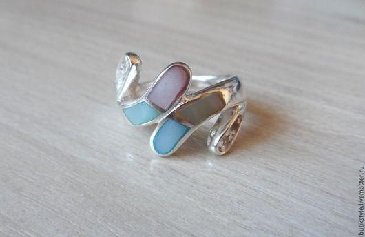 Кольца ручной работы. Ярмарка Мастеров - ручная работа. Купить Серебряное кольцо с натуральным перламутром. Handmade. Серебряный, перламутр натуральный
