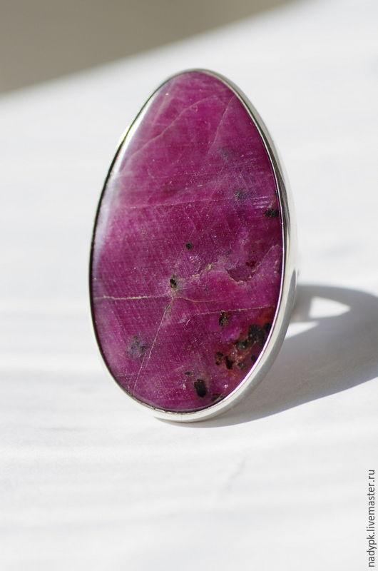 """Кольца ручной работы. Ярмарка Мастеров - ручная работа. Купить Кольцо с рубином """"Благородный цвет"""", серебро. Handmade. Бордовый"""
