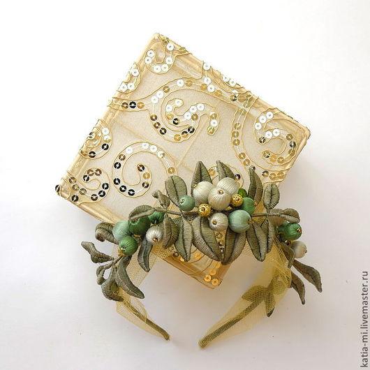 Диадемы, обручи ручной работы. Ярмарка Мастеров - ручная работа. Купить Нежный ободок тиара для феи с ягодами в мятно-золотых тонах. Handmade.