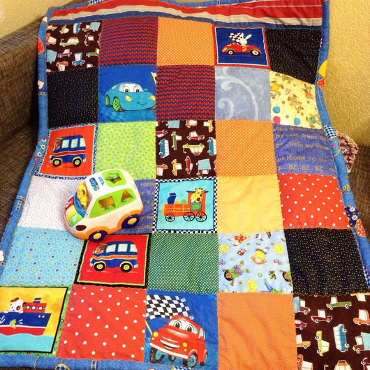 Пледы и одеяла ручной работы. Ярмарка Мастеров - ручная работа. Купить Лоскутное одеяло для мальчика. Handmade. Одеяло пэчворк, сыночек