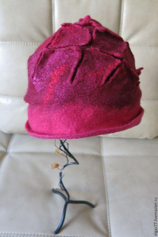 """Шапки ручной работы. Ярмарка Мастеров - ручная работа. Купить Валяная шапка-шляпка """"Лесные ягоды"""". Handmade. Шляпка"""
