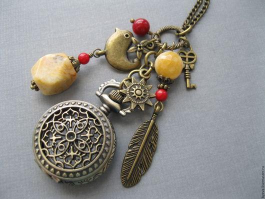 Часы ручной работы. Ярмарка Мастеров - ручная работа. Купить Часы кулон желтый агат и красный коралл.. Handmade. Часы