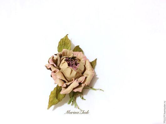 """Цветы ручной работы. Ярмарка Мастеров - ручная работа. Купить Брошь из натуральной кожи-   Роза по имени """"Gloria Dei"""". Handmade."""
