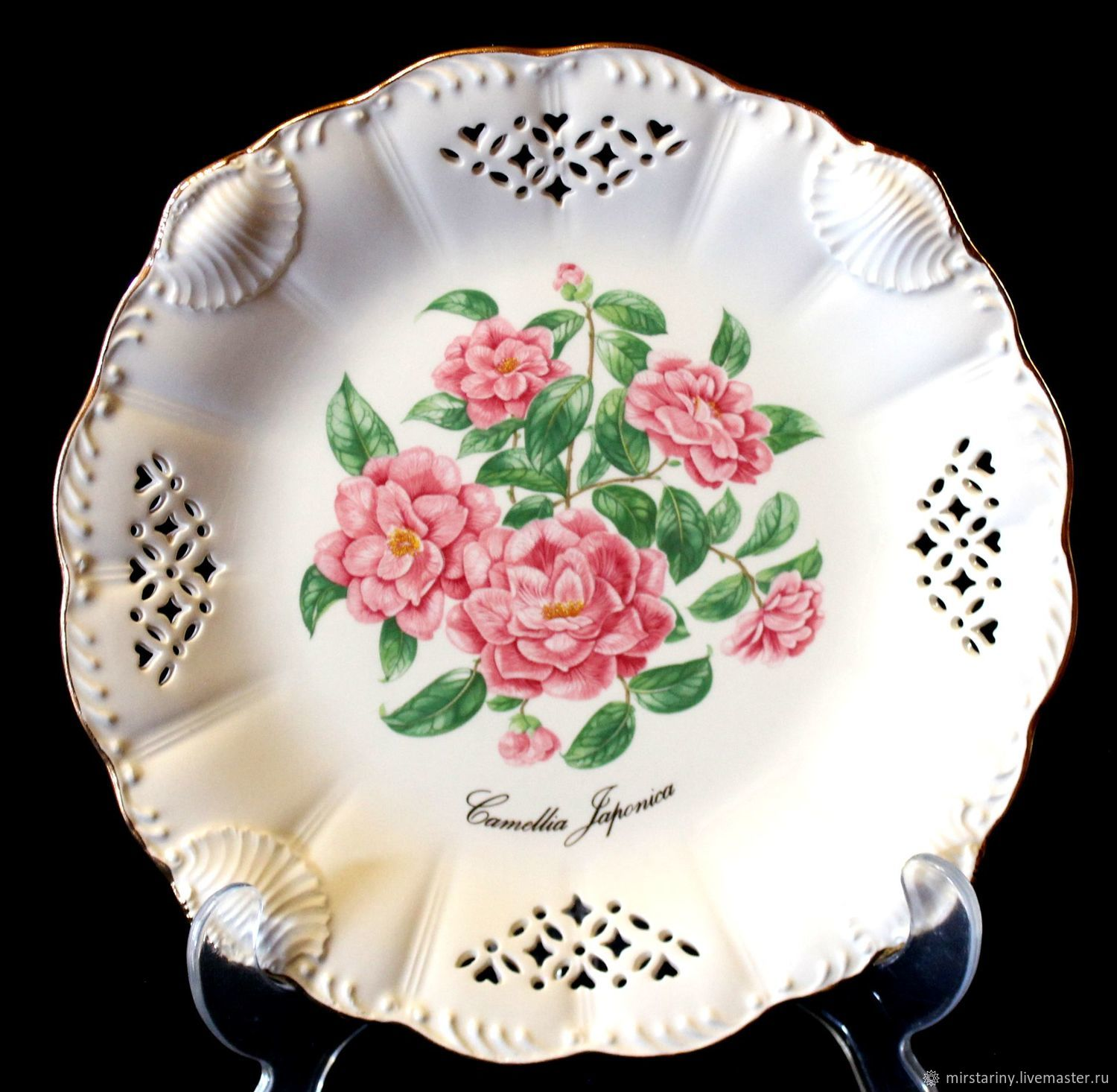 Amazing openwork plates series 'Flowers of Victoria', England, Vintage interior, Moscow,  Фото №1