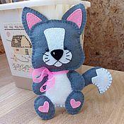 """Куклы и игрушки ручной работы. Ярмарка Мастеров - ручная работа """"Котик"""" игрушка из фетра. Handmade."""
