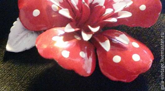 Винтажные украшения. Ярмарка Мастеров - ручная работа. Купить -50% Винтажная брошь Красный цветок из эпохи 60-х США винтаж. Handmade.