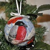 """Подарки к праздникам ручной работы. Ярмарка Мастеров - ручная работа Елочный шар """"Снегирь"""". Handmade."""