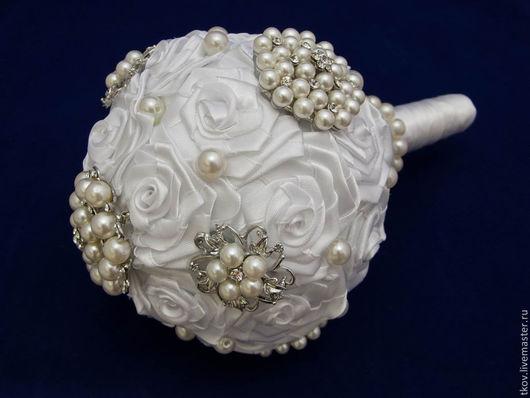 Свадебные цветы ручной работы. Ярмарка Мастеров - ручная работа. Купить Брошь-букет невесты. Handmade. Белый, брошь-букет