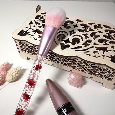 Сувениры и подарки ручной работы. Ярмарка Мастеров - ручная работа Кисть для макияжа с цветами. Handmade.