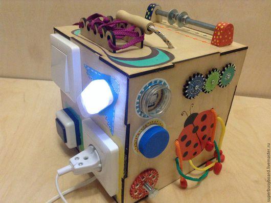 """Развивающие игрушки ручной работы. Ярмарка Мастеров - ручная работа. Купить Бизиборд """"Солнышко"""". Handmade. Бизиборд, Монтессори, развивающая доска"""