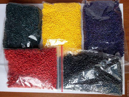 Гранулированные профессиональные красители для полиморфуса от 45 руб за 1 гр., а 1 грамма хватает на окрашивание более килограмма материала.